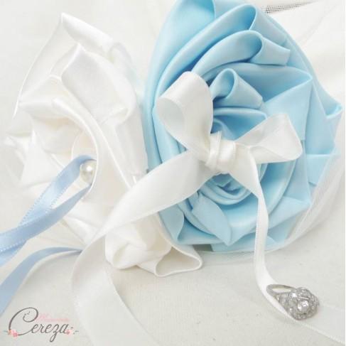 mariage bleu ciel ivoire porte alliances coussin alliances original. Black Bedroom Furniture Sets. Home Design Ideas