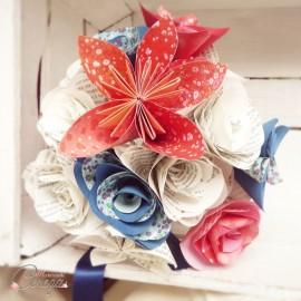 """Bouquet de mariage atypique fleurs de papier tons rouge bleu personnalisé """"Crazy Love"""""""