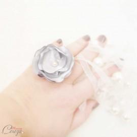 Bague fleur gris argent perle cadeau témoin personnalisable 'Bergamote'