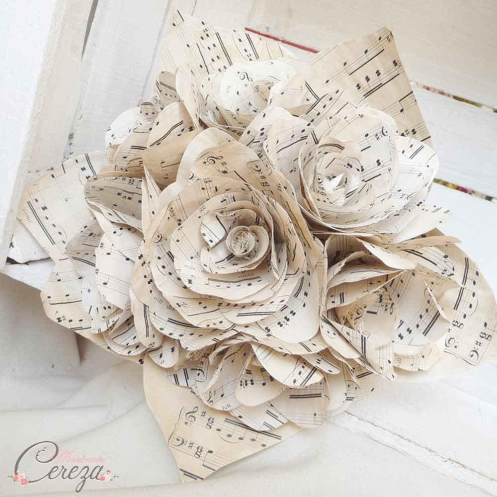 bouquet de mariee partition de musique original atypique rond. Black Bedroom Furniture Sets. Home Design Ideas