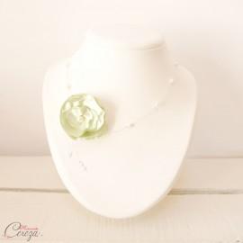 Collier mariée fleur vert anis perles nature romantique 'Lila' Bijou mariage personnalisable