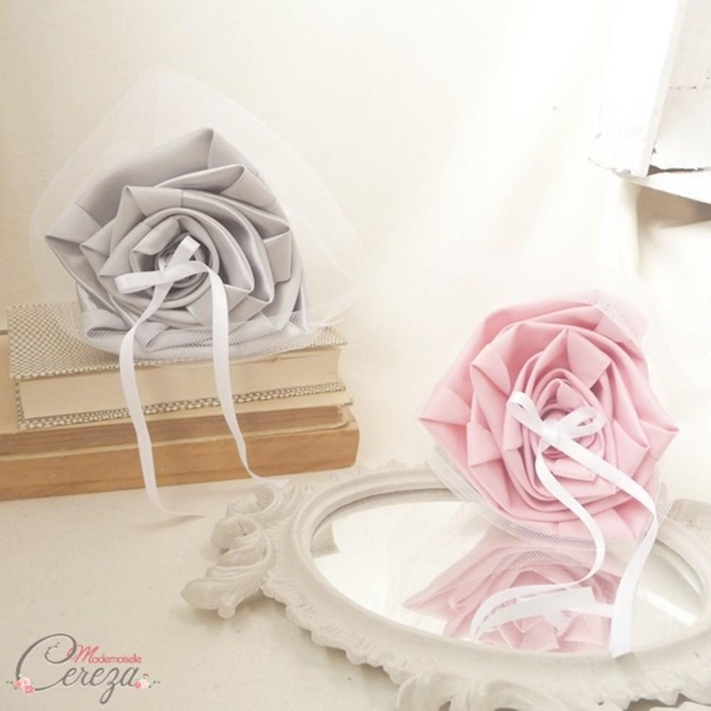 porte alliances personnalise mariage rose pale gris clair blanc. Black Bedroom Furniture Sets. Home Design Ideas
