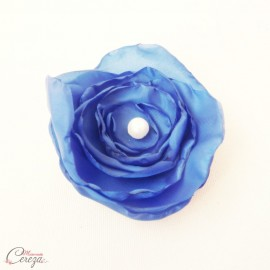 "Broche fleur bleu roi perle blanche bijou mariage cérémonie personnalisable ""Laura"""