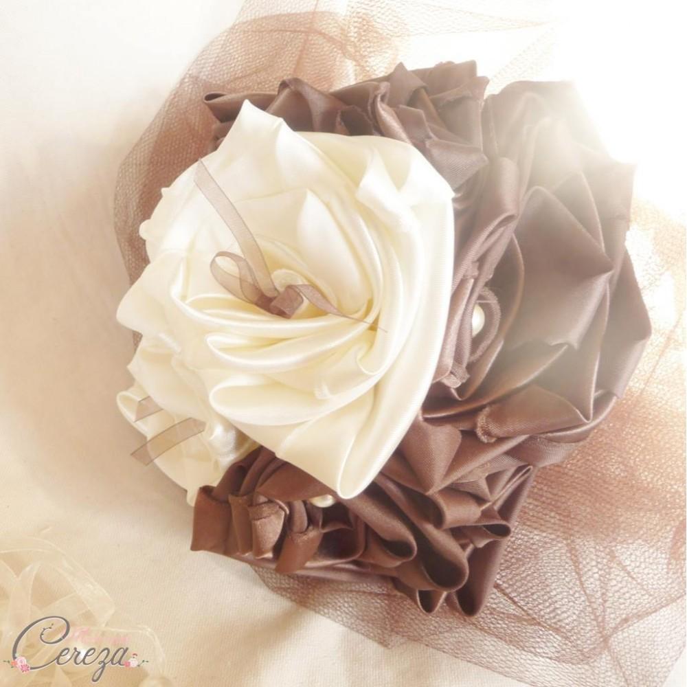 mariage ivoire chocolat bouquet de mari e original. Black Bedroom Furniture Sets. Home Design Ideas