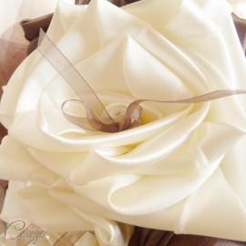 Bouquet de mariée original Toscane ivoire chocolat petits noeuds