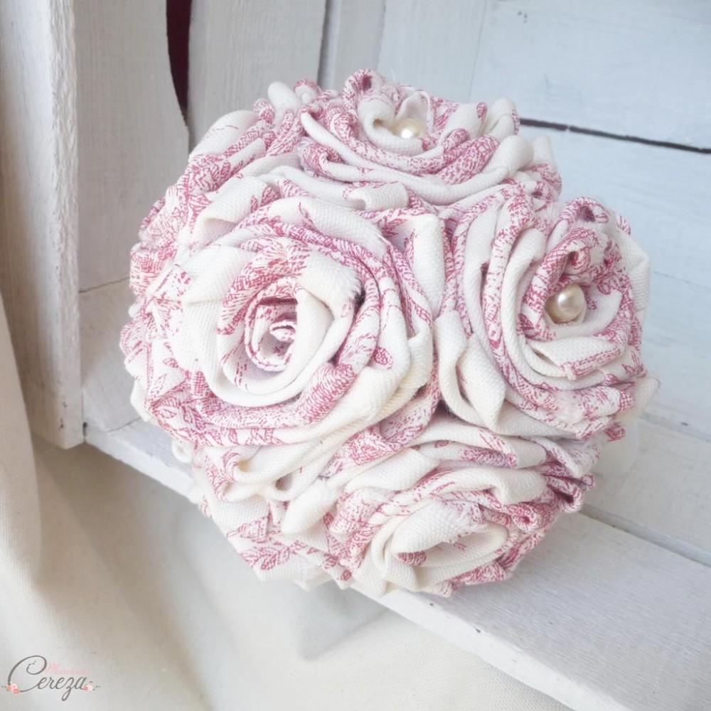 bouquet de mariage bucolique toile de jouy rose ivoire. Black Bedroom Furniture Sets. Home Design Ideas