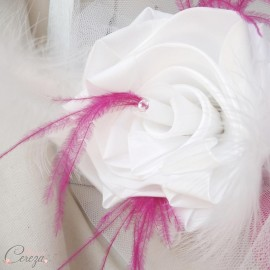 Bouquet demoiselle d'honneur Daisy blanc rose fuchsia plumes