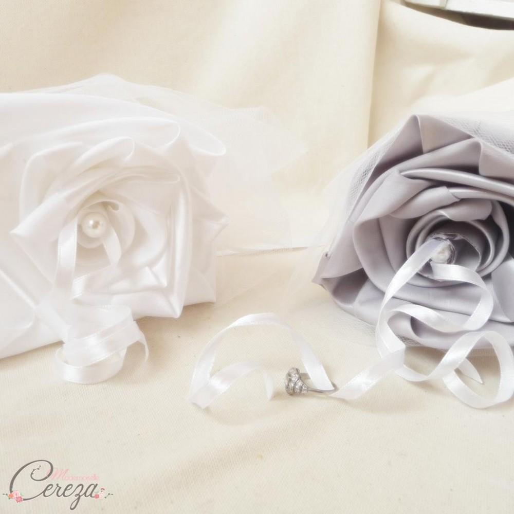 porte alliances duo floral mariage gris blanc. Black Bedroom Furniture Sets. Home Design Ideas