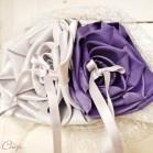Mariage violet et argent porte-alliance fleur original