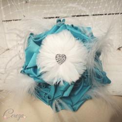 Bijoux & accessoires mariage turquoise, blanc, strass et plumes Melle C.