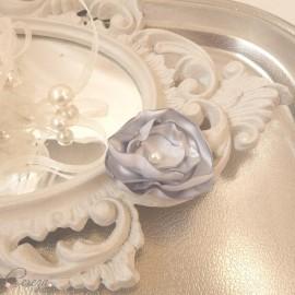 Barrette demoiselle d'honneur fleur gris perle Léa personnalisable