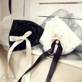 Porte-alliance Duo ivoire noir floral mariage original