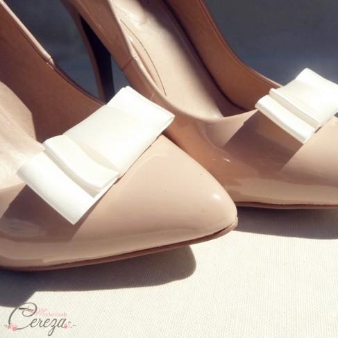 Bijoux de chaussures noeud ivoire mariage Mary
