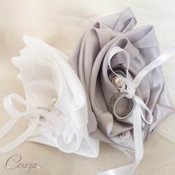 """Mariage gris argent blanc porte-alliance personnalisable original fleur \""""Simplicité\"""""""