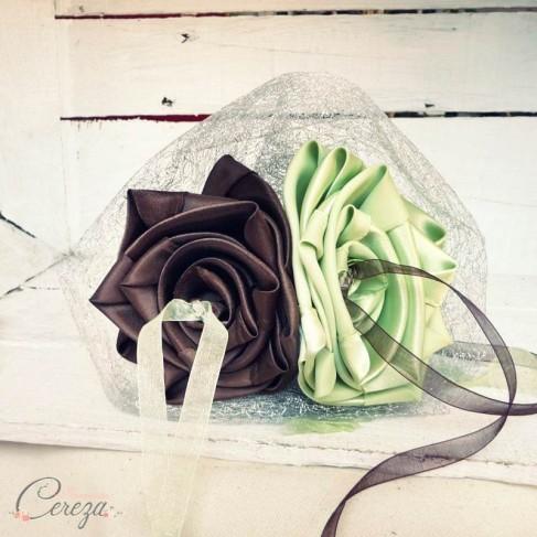 Mariage chocolat anis et argent  porte alliance fleur personnalisé réservé A&J