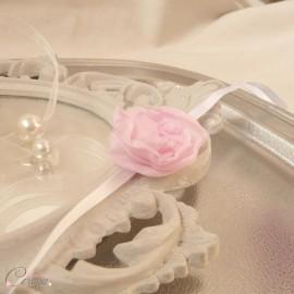 Bracelet fleur rose pâle demoiselle d'honneur personnalisable Adèle