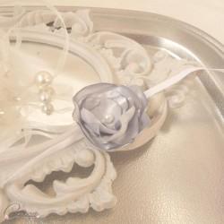 Bracelet fleur gris perle argent demoiselle d'honneur personnalisable Adèle