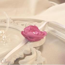 Bracelet fleur rose fuchsia demoiselle d'honneur personnalisable Adèle