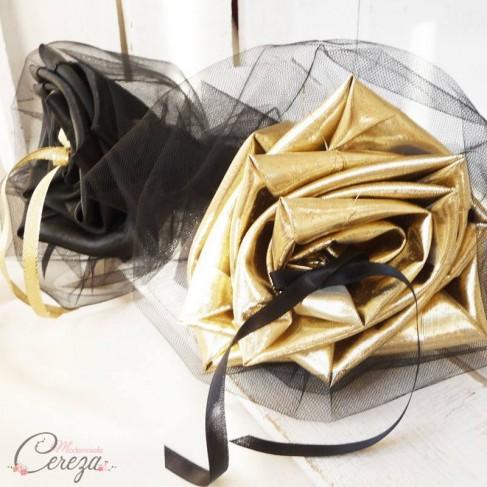 Mariage noir et or porte-alliances Duo chic bouquet original
