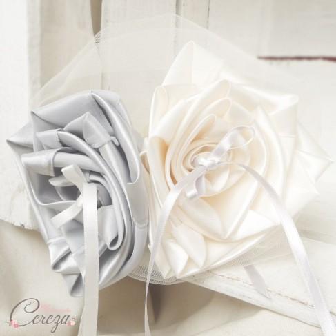 """Mariage gris argent ivoire porte-alliance personnalisable original fleur """"Simplicité"""""""