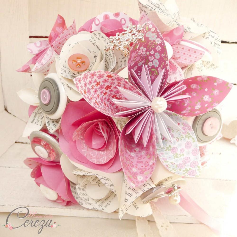 bouquet mariage personnalis fleurs de papier rose gris. Black Bedroom Furniture Sets. Home Design Ideas