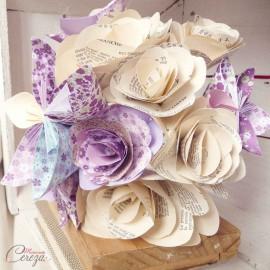 """Bouquet de mariage original parme ivoire fleurs de papier personnalisé """"Crazy Love"""""""