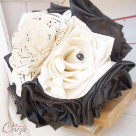 """Mariage thème musique, bouquet de mariée original ivoire noir  """"Symphonie"""""""
