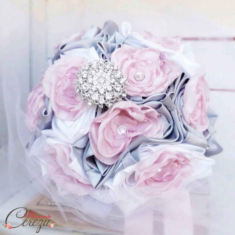 bouquet mariage hiver original strass cristal swarovski. Black Bedroom Furniture Sets. Home Design Ideas