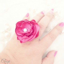 Bague fleur rose fuchsia strass cristal Swarovski cadeau témoin personnalisable 'Venezzia'