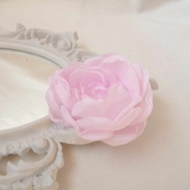 Bijou de coiffure mariée fleur rose pâle Pivoine