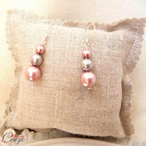 """Boucles d'oreille mariage rose gris perles pendantes """"Salomé"""""""