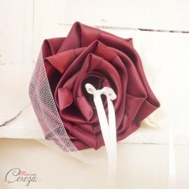 """Coussin d'alliances original mariage bordeaux ivoire bouquet de fleurs """"Simplicité"""""""