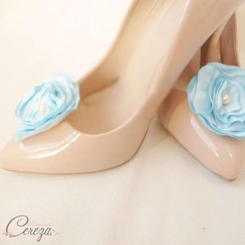 """Bijoux d'escarpins mariage fleur bleu ciel """"Laura"""""""
