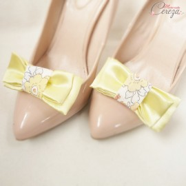 """Bijoux de chaussures mariage jaune et liberty noeud double """"Béguin"""" personnalisés"""