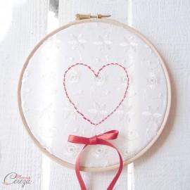 """Porte-alliance romantique champêtre chic coeur brodé """"Meredith"""""""