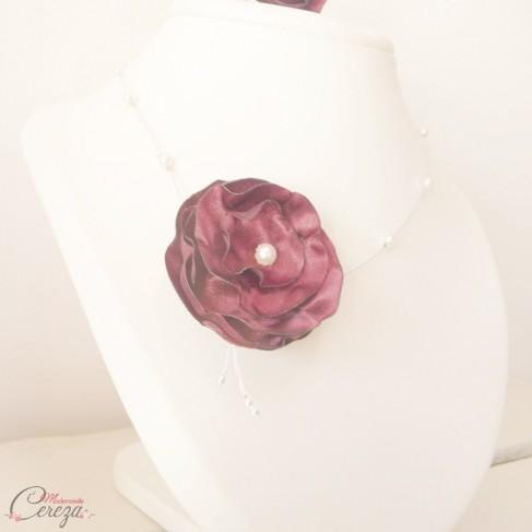 Collier mariée fleur bordeaux perles 'Lila' Bijou mariage personnalisable