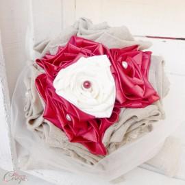 Bouquet de mariée original et accessoires sur-mesure lin, rouge et ivoire