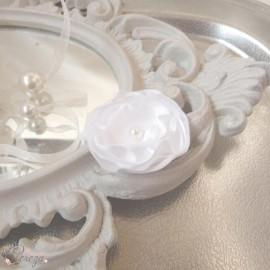 Barrette demoiselle d'honneur fleur blanche Léa personnalisable