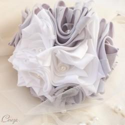 Bouquet de mariage blanc gris perle argent tissu satin