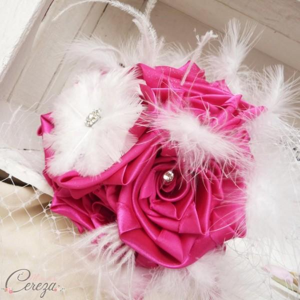 bouquet mariée cabaret fuchsia blanc strass plumes 9