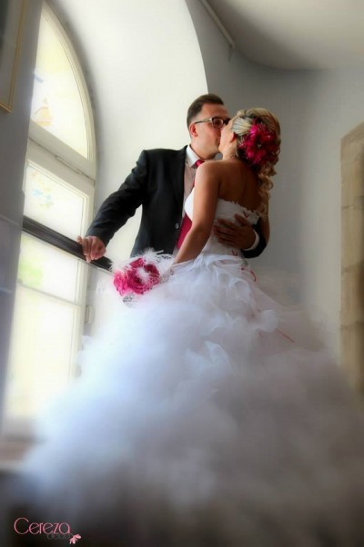 bouquet de mariage cabaret plumes fuchsia blanc cereza real wedding