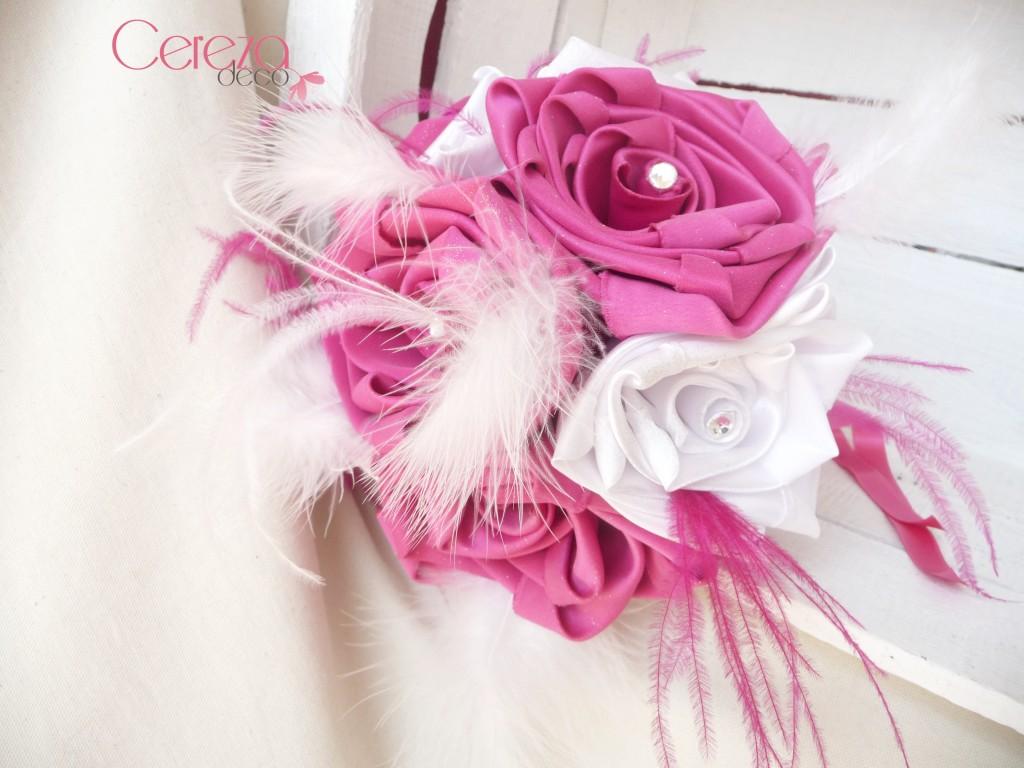 bouquet mariage cabaret baroque rose fuchsia blanc plumes strass corset cereza deco (6)