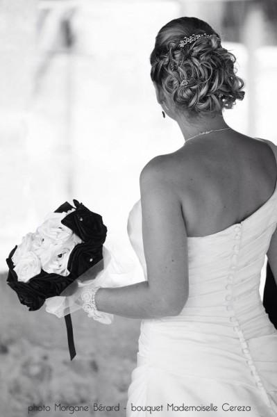 mariage ivoire noir bouquet de mariée chic en satin et perles Melle Cereza