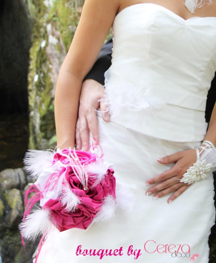 bouquet mariage original tissu plume strass blanc rose fuchsia sur mesure personnalisé cereza deco 2