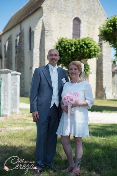 bouquet de re-mariage original à garder en plumes, perles et voilette rétro