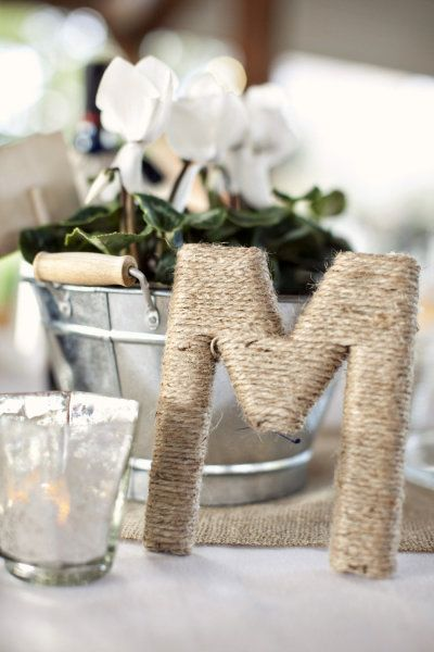 idee deco mariage lin champetre campagne chic initiales des maries Melle Cereza blog mariage