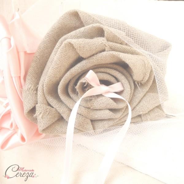 mariage champêtre chic pastel rose pâle beige coussin alliances Melle Cereza