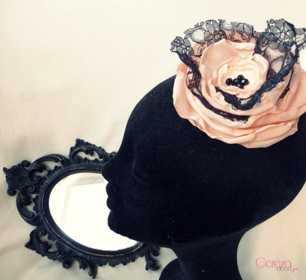 bijou de cheveux floral nude dentelle noire glamour cereza deco 5
