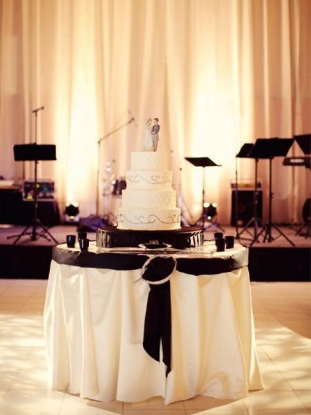 mariage baroque deco table ivoire blanc noeud noir Mademoiselle cereza blog mariage