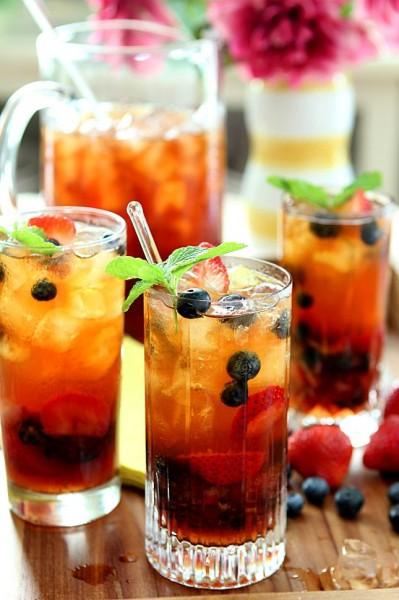 thé glacé aux fruits cassis fraise menthe